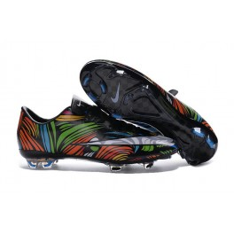 black and white nike soccer cleats
