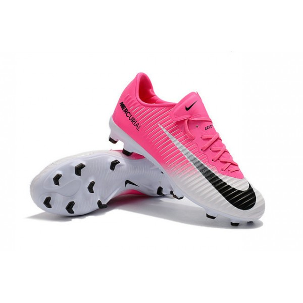 Soccer Shoes Pink And White